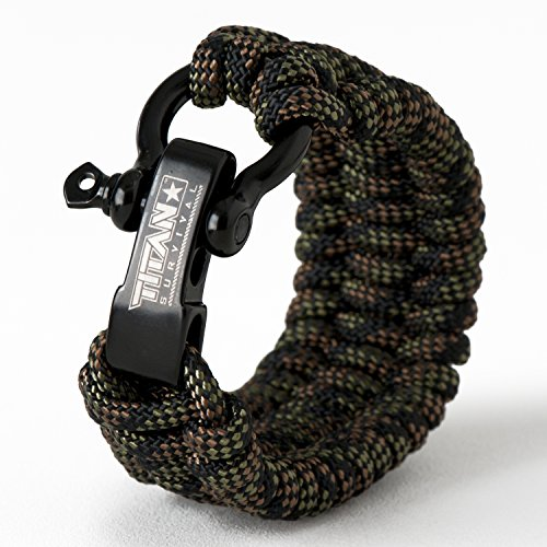 An Paracord Survival Bracelet